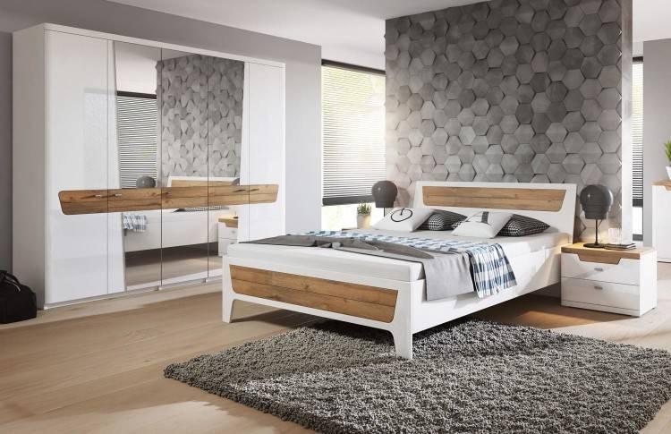 Ein mittelgroßes Schlafzimmer u
