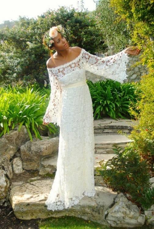 Das Brautkleid Rachel von Lambert Creations passt herrlich zu Boho und  Vintage Hochzeiten