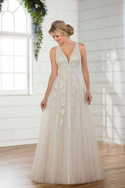 Brautmoden Brautkleid elegant, elegantes Brautkleid, Aire Barcelona,  Spitze, Spitzenkleid, edel, elegant, fließend, Rückenausschnitt,  Hochzeitskleid