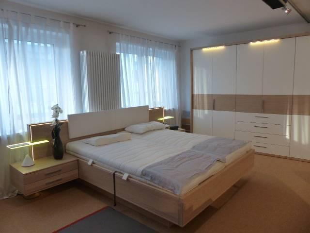 Fantastisch Schlafzimmer In Weiss Nussbaumfarben Lack Nussbaum Guenstiger