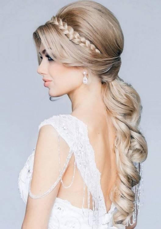 schöne frisuren für hochzeit elegente hochsteckfrisur für langes glattes haar 80 schöne Frisuren für die Hochzeit – die perfekte Brautfrisur für den