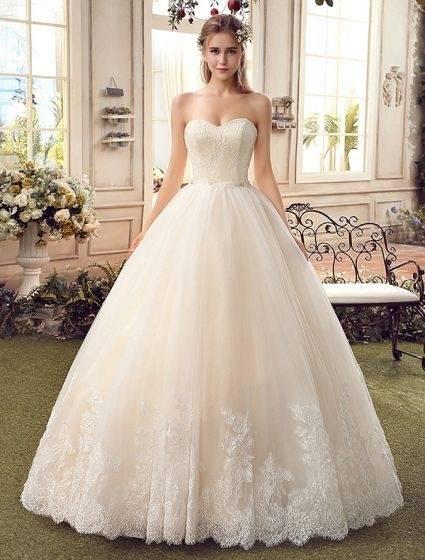 Großhandel Dressv Champagner Hochzeitskleid Scoop Neck Eine Linie Appliques Gericht Zug Brautkleider Elegante Lange Brautkleider Von Wujianping123,