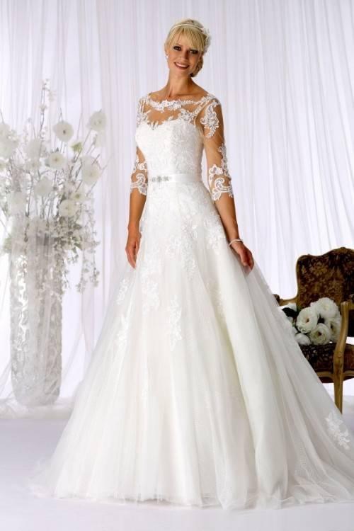 Tolle neue Brautkleider der Saison 2019 in vielen unterschiedlichen  Variationen sind eingetroffen