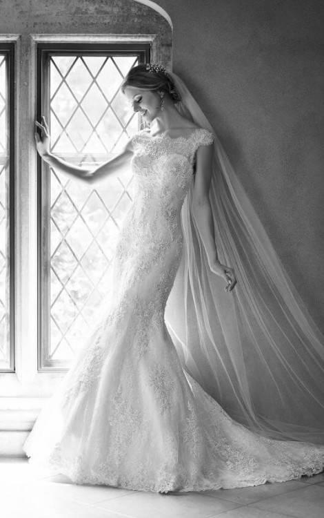 Wunderschönes Brautkleid mit Carmenausschnitt