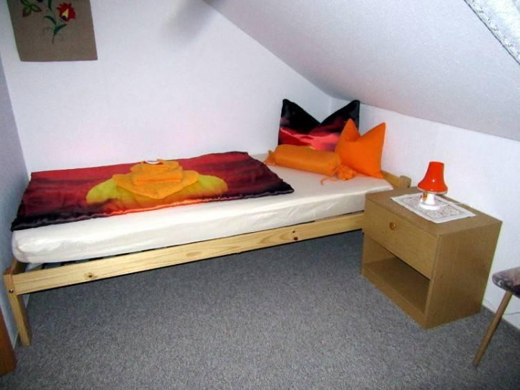 Schlafzimmer Design für kleine Räume – 23 funktionale Ideen
