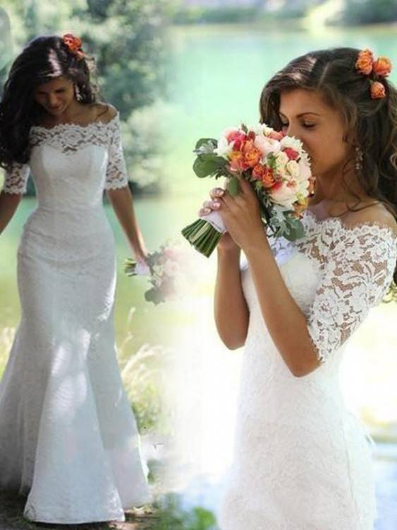Brautkleid spitze lange Ärmel Carmenausschnitt.