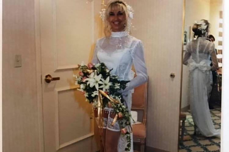 Die Geiss mag's wohl heiß! Carmen heiratete 1994 in Strapsen | Promiflash