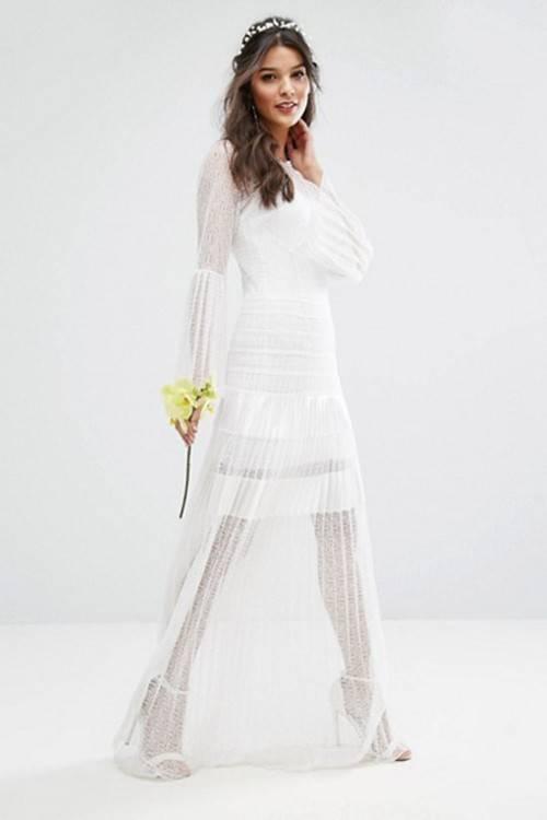 PRODUKTCODE 1200954 ASOS EDITION Curve – Langes schulterfreies Hochzeitskleid mit floraler Spitze Trittst du vor den Altar Willst du tanzen Dann hol dir ein