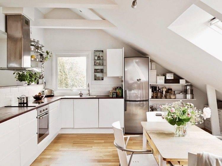 Küche mit Dachschräge – 50 Ideen für ein auffälliges Küchendesign |  Einrichtungsideen