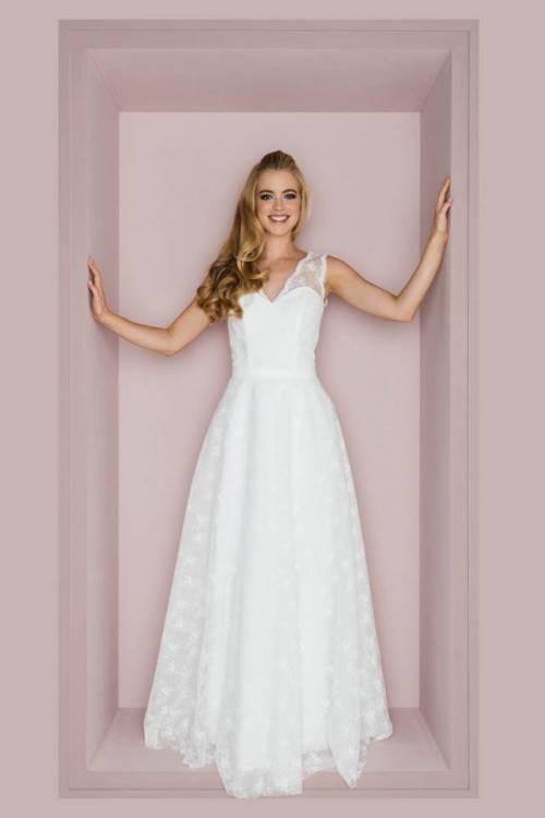 Weiße Brautkleider Spitze 2019 Herzförmig Rückenfrei Brautmoden  Hochzeitskleider Meerjungfrau