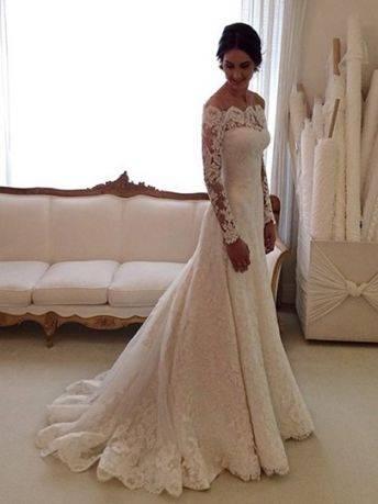 schulterfrei brautkleid spitzen design eng halblange aermel Brautkleid mit  Akzent im Rücken – 69 traumhafte Anregungen