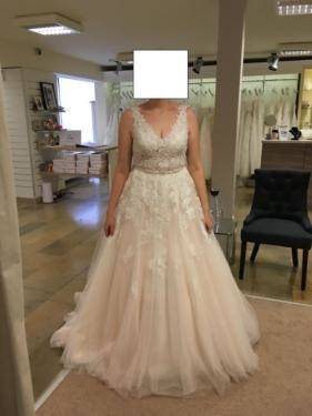 Großhandel 2017 Country Blush Pink Brautkleider A Line V Ausschnitt Langarm Sweep Zug Brautkleider Mit Spitze Tulle Plus Size Brautkleider Von