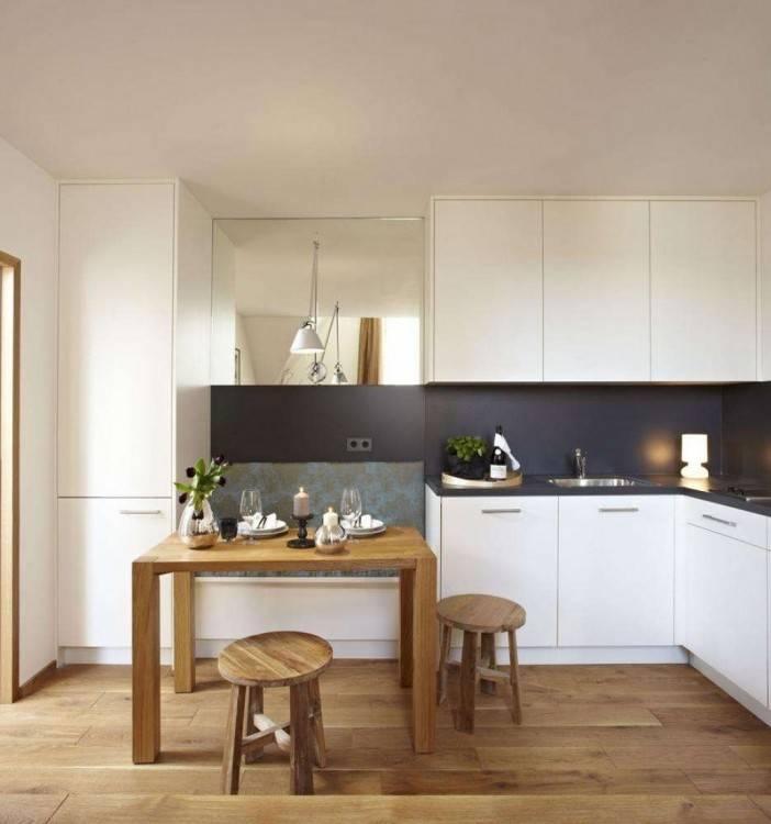 Bei der richtigen Planung lässt sich auch eine kleine Essecke in der Küche unterbringen
