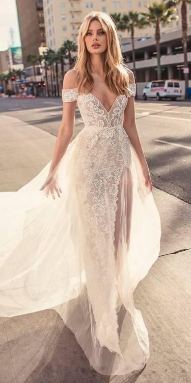 Brautkleider von Berta Bridal Kollektion mit historischem Flair