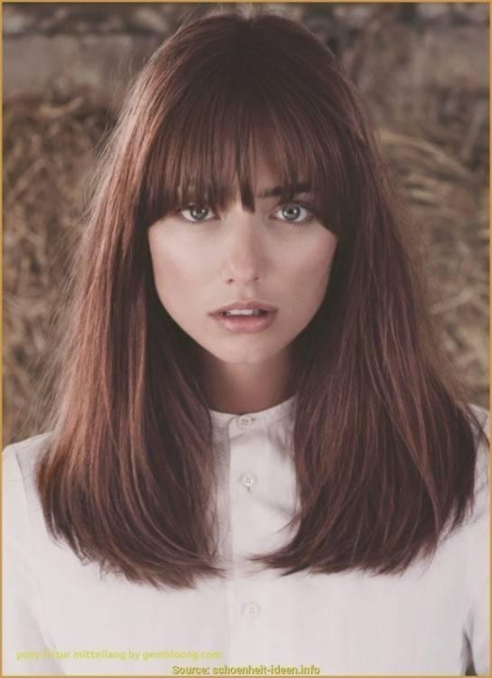 Aktuelle Mädchenfrisuren für Haare der mittleren Länge   Frisuren