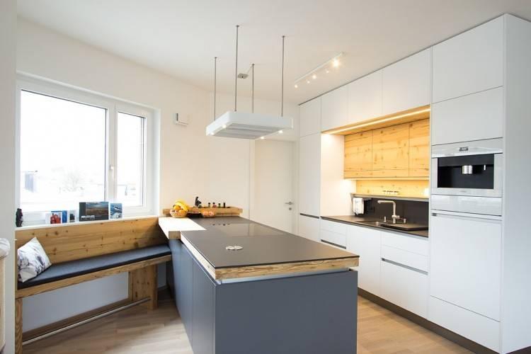 Grifflose Küche Mit Weiß Lackierten Fronten Kitchen Pinterest Avec Weiße Küche Graue Wand Et 9 Weiße