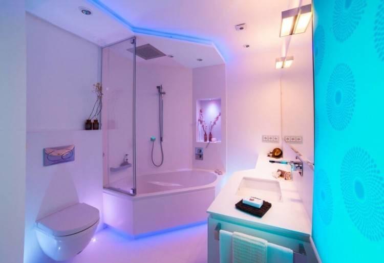 Auch im kleinen Badezimmer lässt sich Stauraum clever nutzen
