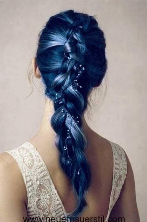 brautfrisur lange haare dunkel natürliche rosen Brautfrisur halboffen –  kommen Sie mit Stil unter die Haube! | Frisuren