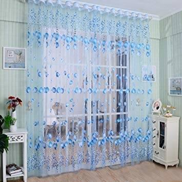 Ein helles Schlafzimmer, u