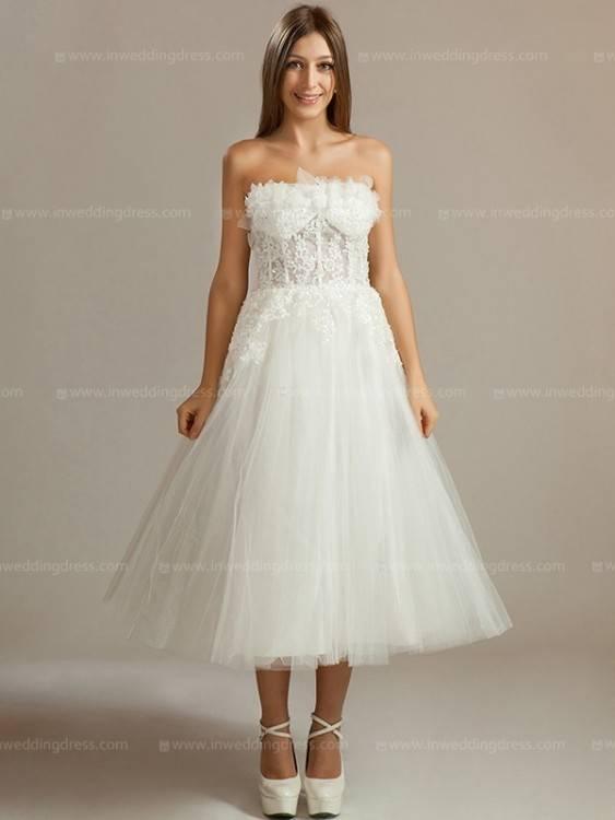 Liegt der Fokus auf dem Schleier, so sollte das Kleid möglichst zurückhaltend gestaltet sein