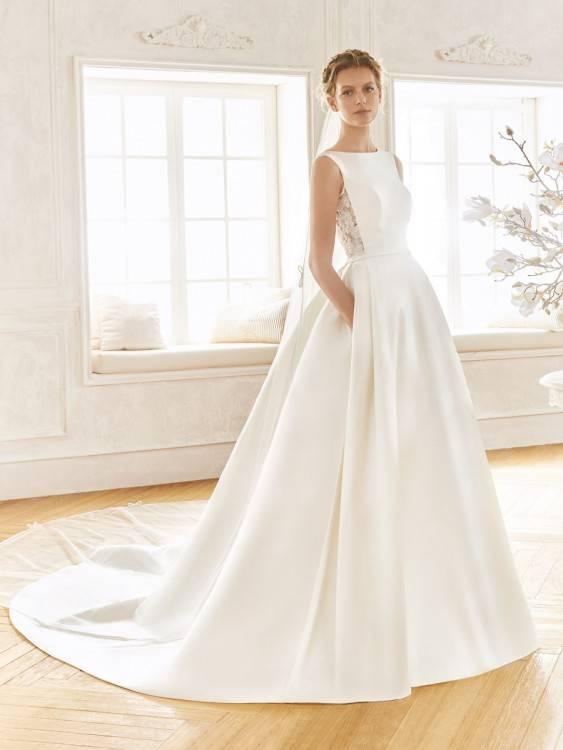 Schöne Ivory / Creme Brautkleider / Hochzeitskleider 2018 A Linie Spitze  Blumen Applikationen Perlenstickerei Kristall Bandeau Rückenfreies Ärmellos