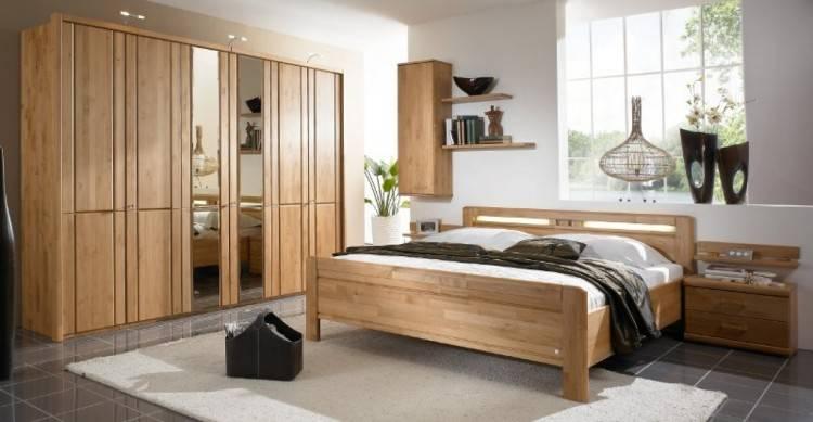 Robuste Schlafzimmermöbel Aliano aus Erle